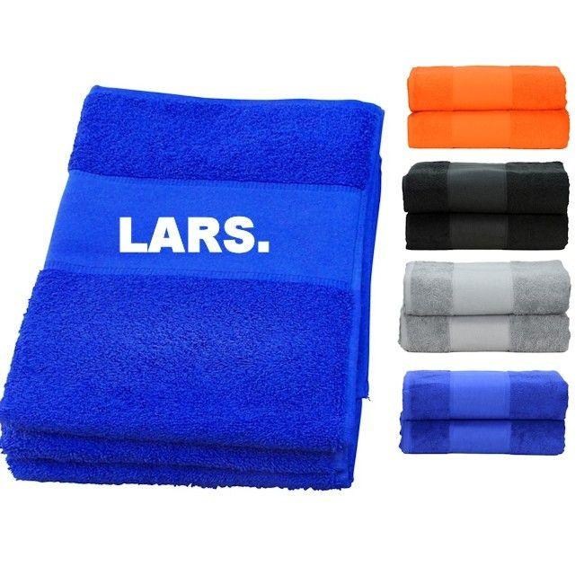 85c56b727e7 Luxe handdoek/strandlaken met naam bedrukt